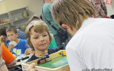 detsky-festival-deti-atrakcie-atrakcia-dieta-nafukovaci-hrad-hry-hra-18-