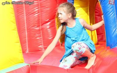detsky-festival-deti-atrakcie-atrakcia-dieta-nafukovaci-hrad-hry-hra-26-