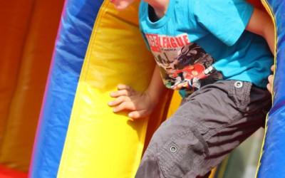 detsky-festival-deti-atrakcie-atrakcia-dieta-nafukovaci-hrad-hry-hra-27-