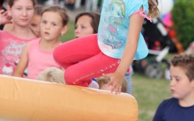 detsky-festival-deti-atrakcie-atrakcia-dieta-nafukovaci-hrad-hry-hra-39-